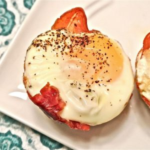Baked Prosciutto Egg Cups